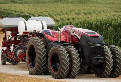 Il trattore a guida automatica della CNH